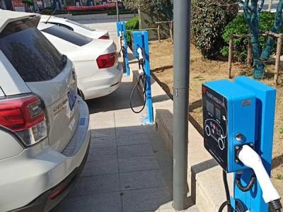 36台昌原新能源电动汽车充电桩安装案例现场