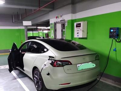 郑州昌原7kw汽车交流充电桩挂式案例现场实拍