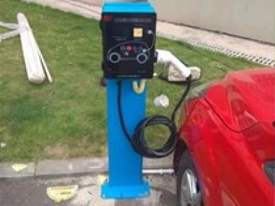 新能源汽车使用汽车充电桩充电需要多长时间?