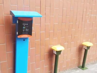 郑州昌原客户定制立柱式4路大功率充电站样机展示