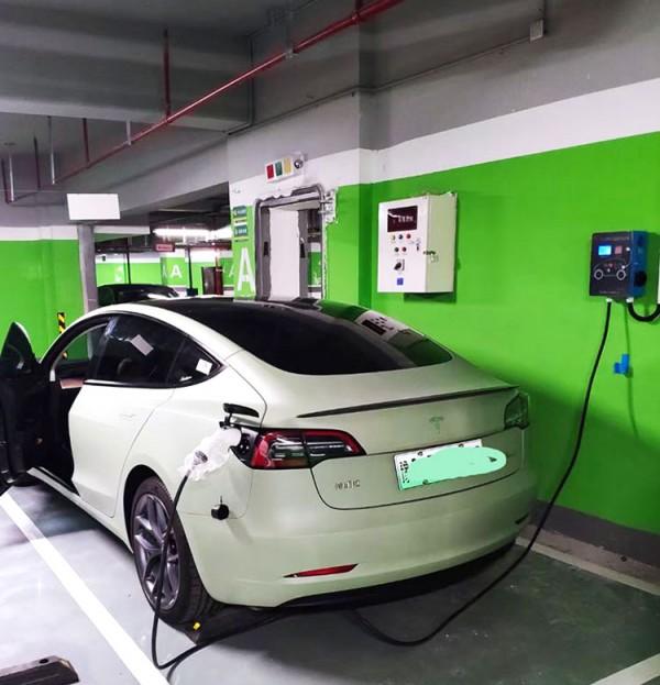 新能源汽车交流充电桩